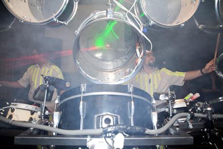 Корпоративный праздник с элементами тимбилдинга и барабанотерапии Drum-in-bar